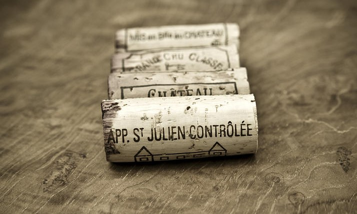 bordeaux wine corks