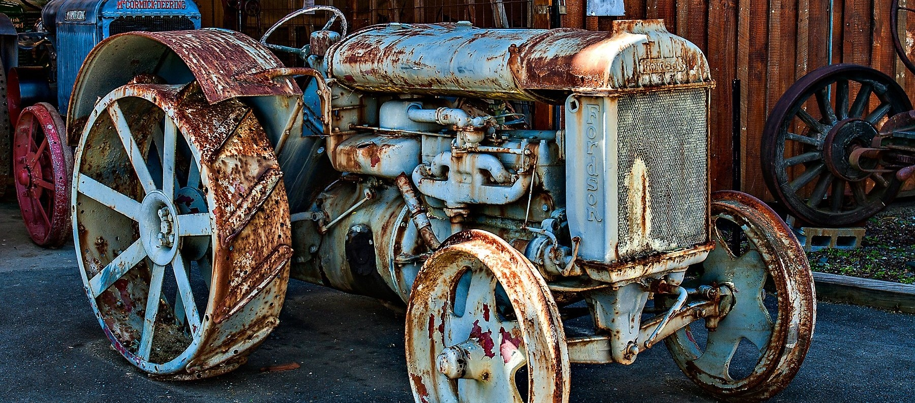 Old-tractor-urban_flavours