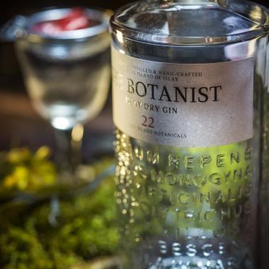 the-botanist-gin-foraged-ingredients-urban-flavours