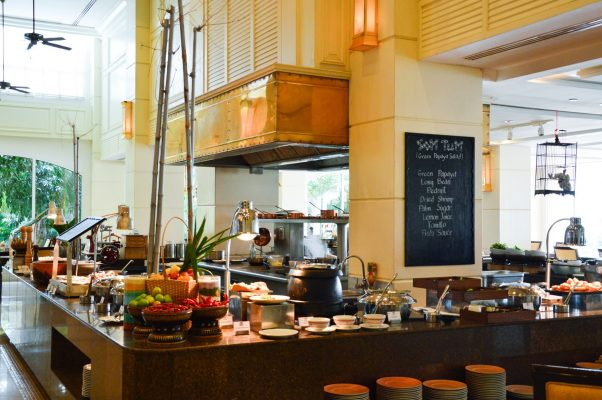 sofitel-phnompenh-phokeethra-dining-lacoupole-picture-urban-flavours