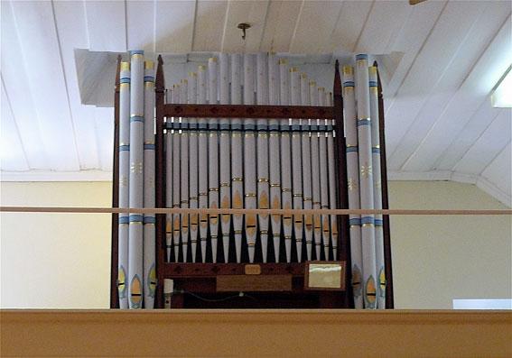 Gnadenfrei-pipe-organ-urban-flavours